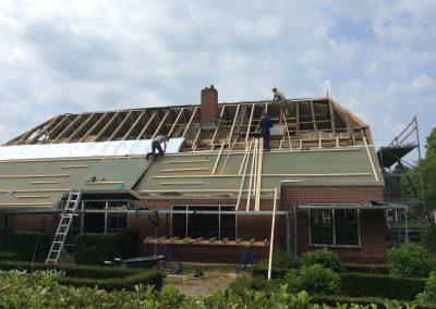 Nieuw rieten dak aanleggen